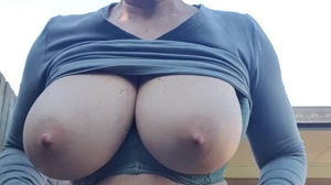 Outdoor boob play xx 54yo 🇦🇺💋