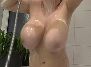 Bouncing wet boobs