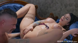 Big Tits Brunette Hot pussy licking !!