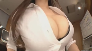 Dat cleavage...