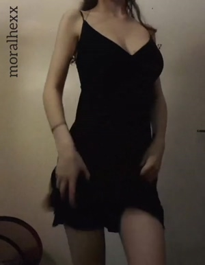 Dropping her tits by lifting her dress