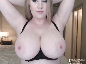 Huge boobs curvy blonde