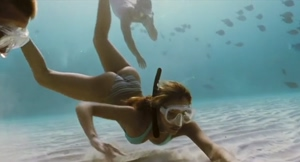 Jessica Alba underwater plot from Into The Blue