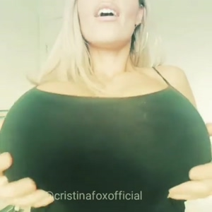 Bouncing her massive tits