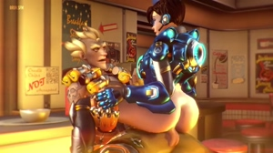 Tracer riding with her famous booty